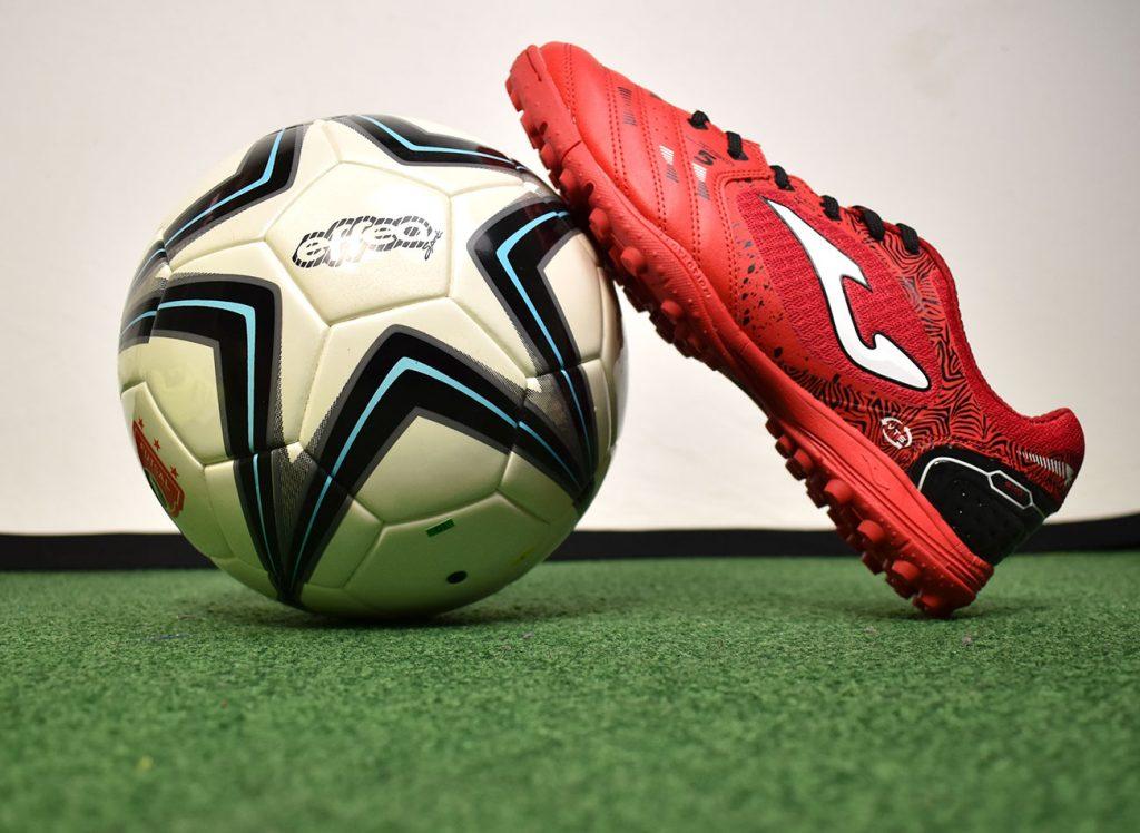 Hobby Sport - Scarpini e kit calcio, futsal e calciotto